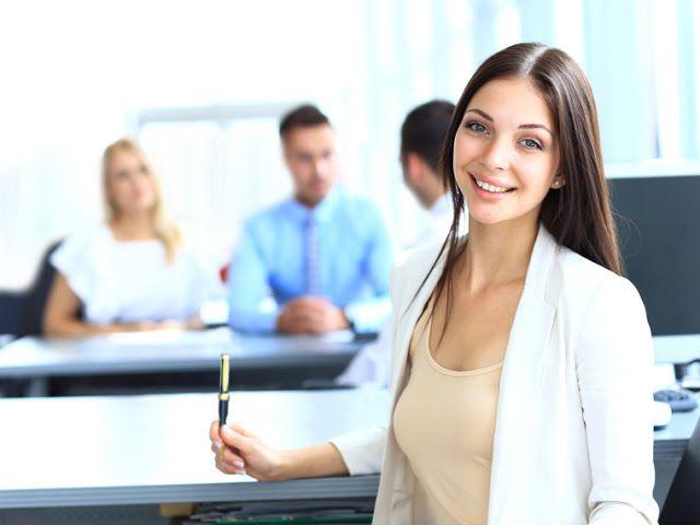 Τι σχέση έχουν οι επιτυχημένες γυναίκες με το χρόνο;