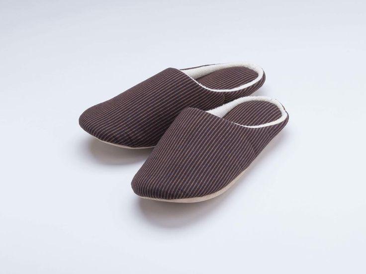 つむぐスリッパ J-1 2200円税 http://ift.tt/2EZQeL2  #スリッパ #遠州綿紬 #つむぐ #伝統 #室内履き #お土産 #木綿 #縞 #hamamatsu #shizuoka #gift #stripes #fabric #cotton #slippers #brown