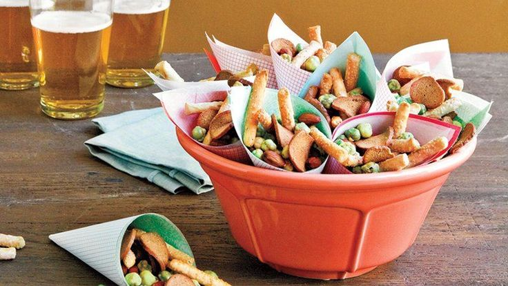 15 minutes and five ingredients is all you need to put together this easy and spicy snack mix for your fall celebration party.