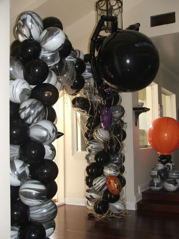 Balloon arch for halloween party for Balloon decoration for halloween