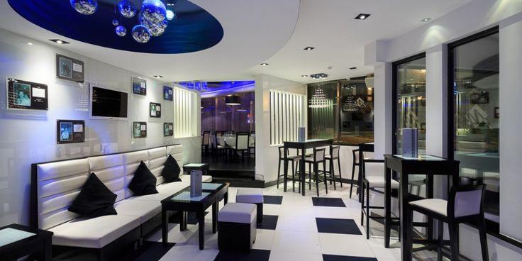 Montys Bar and Montys restaurant Photo gallery