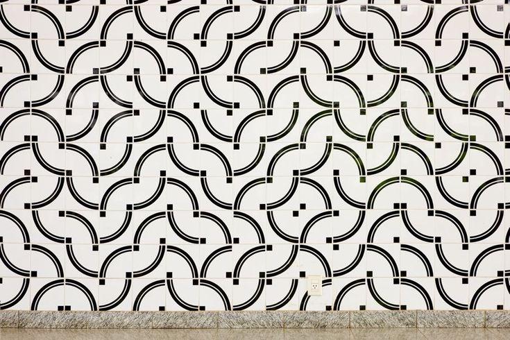 Athos Bulcao. Painel de azulejos, Instituto Rio Branco, 1998. Brasília – DF, Foto Edgar César Filho.