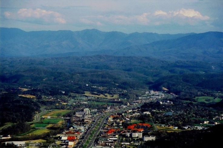 474 Best Images About Kit Kat S Pigeon Forge On Pinterest