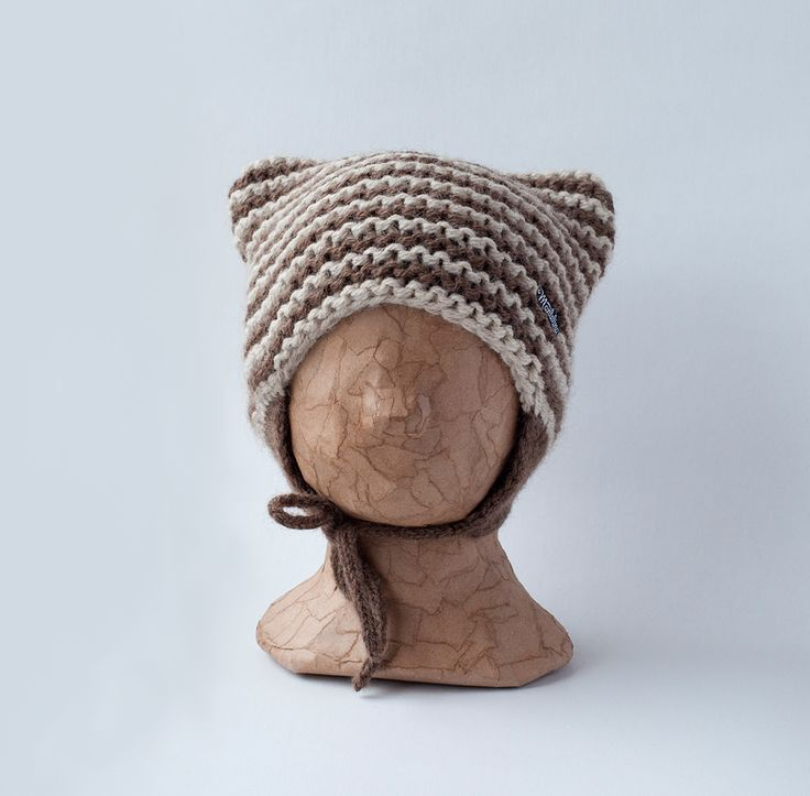 Mantelinan neulottu villamyssy lapselle - Knitted woollen beanie for kids by Mantelina