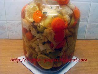 Τα φαγητά της γιαγιάς - Κουνουπίδι τουρσί με καρότα σέλινο και πιπεριές