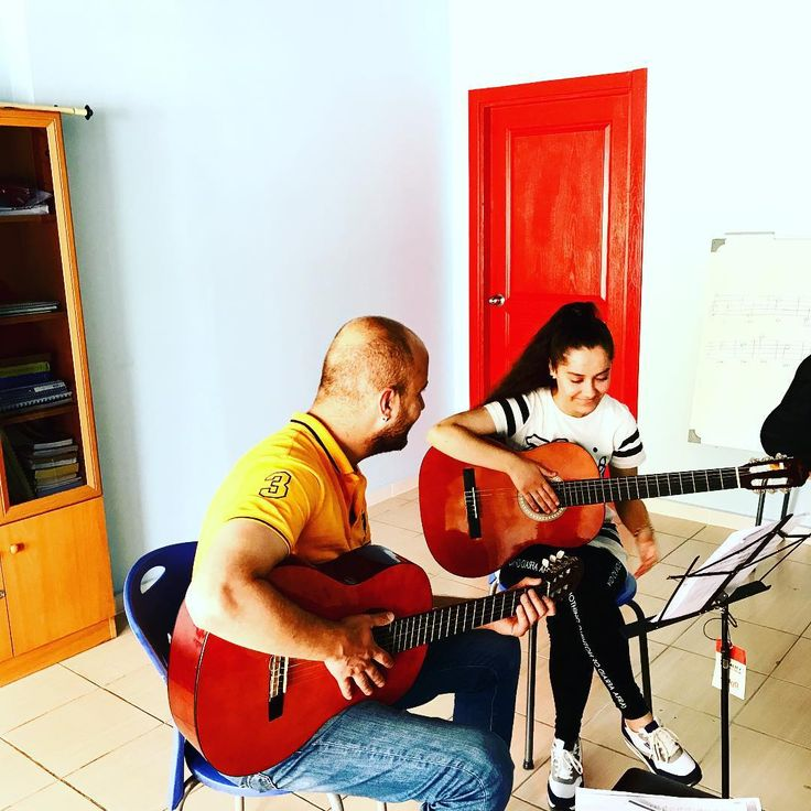 Fahrettin Hocamız ve Tuğçe #yankımüziksanatmerkezi #yankımüzik #piyano #piyanokonya #piyanokursu #piyanodersi #piyanoöğrencisi #piyanoöğretmeni #konya #konyakurs #konyasanat #konyakeman #keman #kemandersi #kemankursu #kemankonyaeğitimi #konyamüzik #konyamüzikeğitimi #müzikmerkezi #müzikeğitimi #müzik #sanat #sanatkonya #sanatmerkezi #anne #anneçocuk #çocuk #çocukeğitimi #çocukgelişimi #sanatetkinligi http://turkrazzi.com/ipost/1524767571923319358/?code=BUpEAcxhjo-