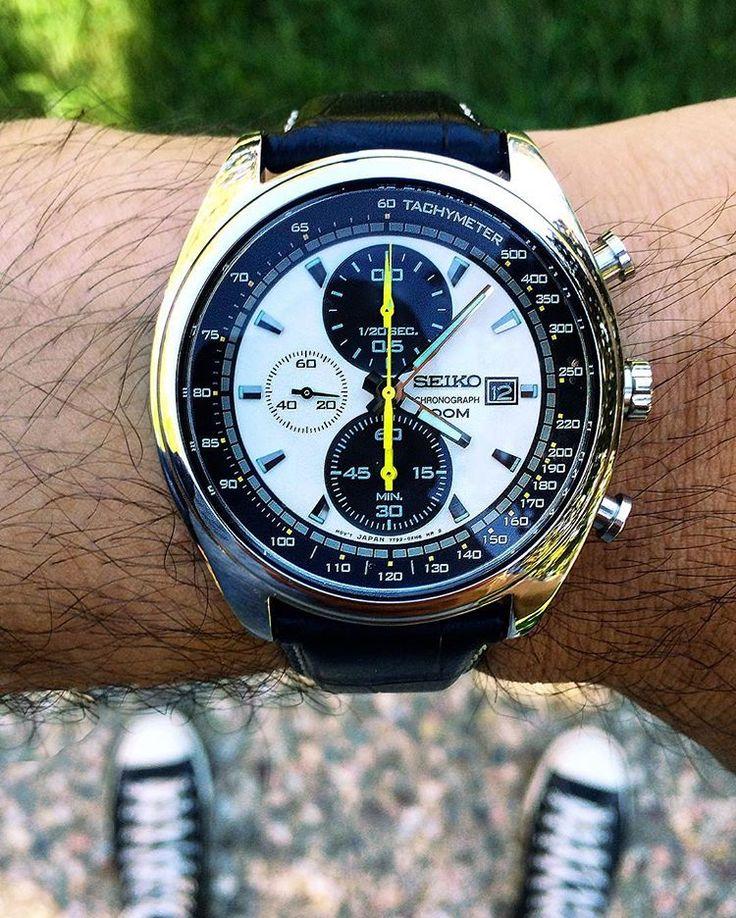 My latest acquisition, a Seiko SNDF93. I love the retro race look and panda dial. Most people don't know that this watch has broads in Atlanta.  #seikopanda #seiko #seikochronograph #sndf93 #panda #watchoftheday #watches #seiko4ever #chronograph #dailywatch #watchnerd #affordablewt #practicalwatch #wristcheck #wristshot #woyw #womw #watchporn #watchphotography #menswatch #seikoholic #watchuseek #watchexchange #watchcollector #relojes #instawatch #watchfam #watchesofinstagram #instawatch…