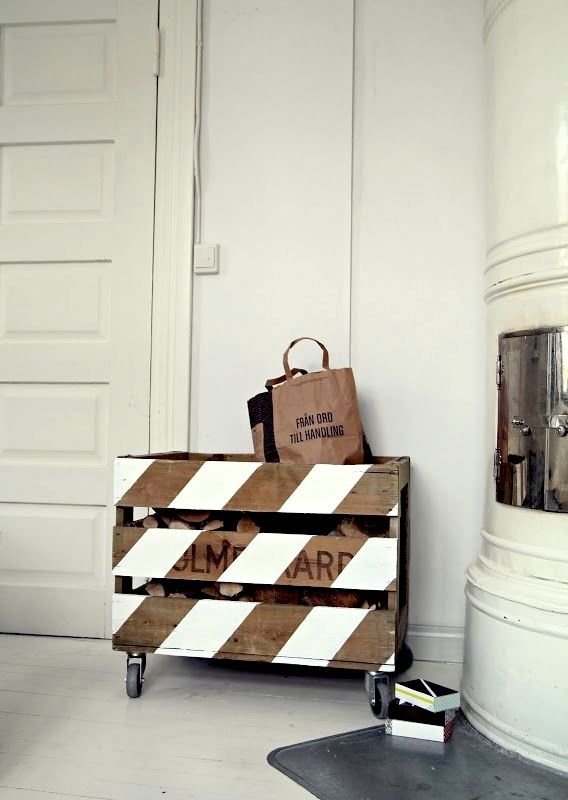 Clever DIY Storage Project! I Love the Stripes!: Ideas, Toys Boxes, The White Stripes, Painting Wood, Wood Boxes, Diy, Wood Crates, Pallets Projects, Firewood Storage