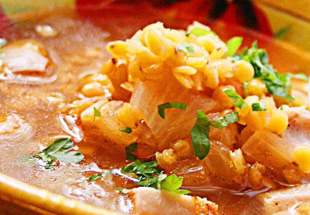 Kryddig linssoppa med kyckling. 5 2 recept med bara 308 kcal. Värmande soppa som passar hösten fastedagar utmärkt, går också bra att göra storkok och frysa.
