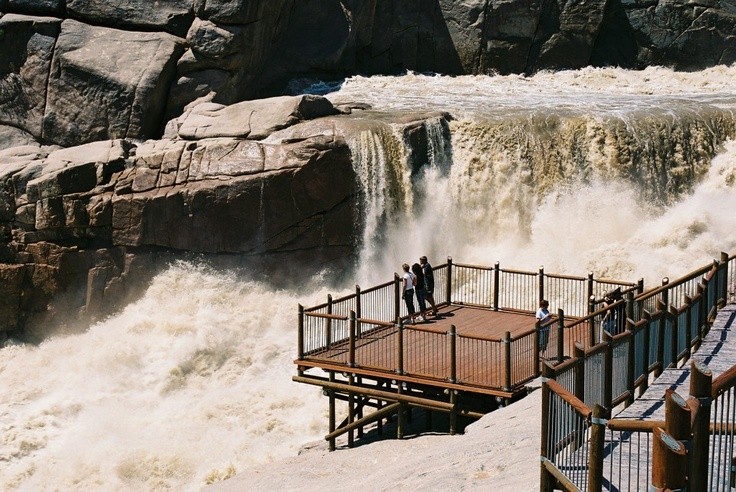 Augrabies Falls National Park (from the Khoi word Akoerebis, meaning place of great noise - South Africa