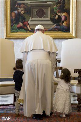 Pape François - Pope Francis - Papa Francesco - Papa Francisco - Avec la famille du président de Malte !!!
