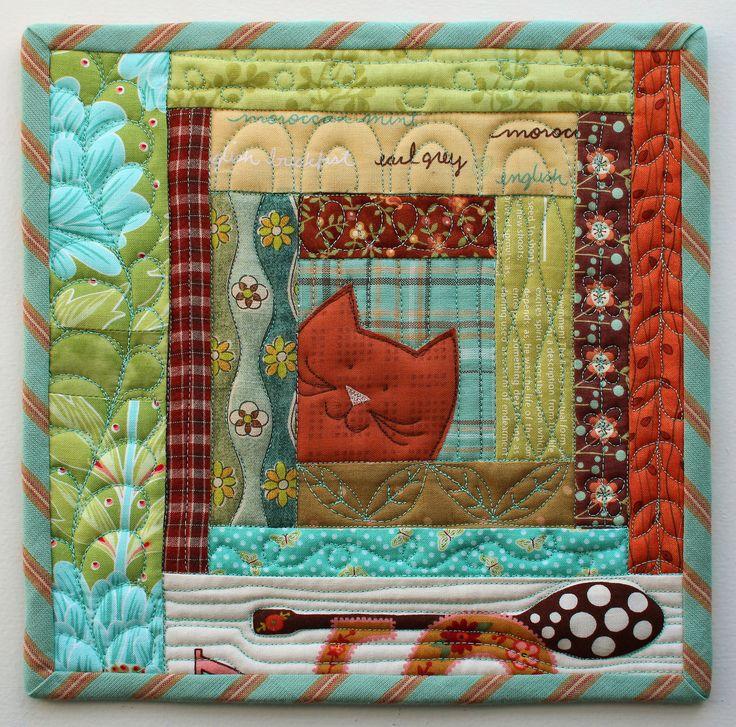 Cat potholder, log cabin block by Laurraine Yuyama | Patchwork Pottery