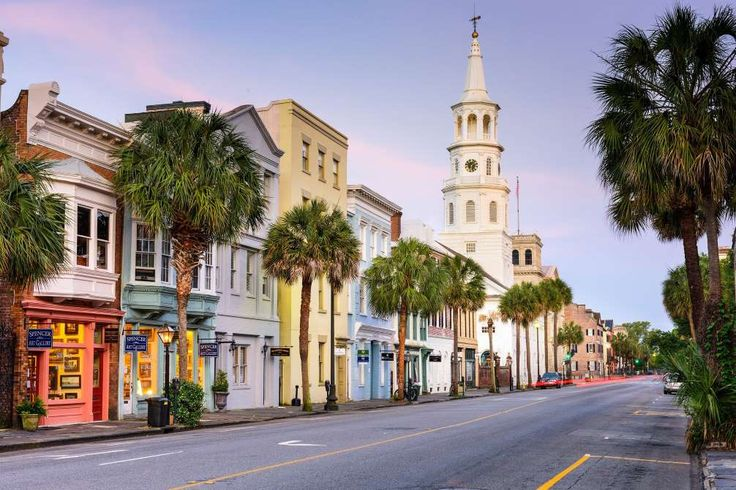 Charleston receives rave reviews from travelers. It oozes sophisticated charm thanks to antebellum h... - Sean Pavone/shutterstock