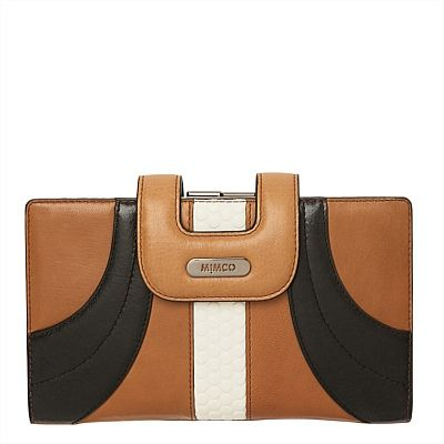 Flashback Travel Wallet. Mimco's pouches and travel wallets are definite must haves! #mimcomuse