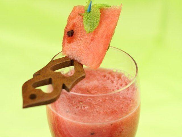 Смузи «Мятный арбуз» #Веганство Взято с сайта http://vegrecipes.ru/drink/smuzi-myatnyj-arbuz.html