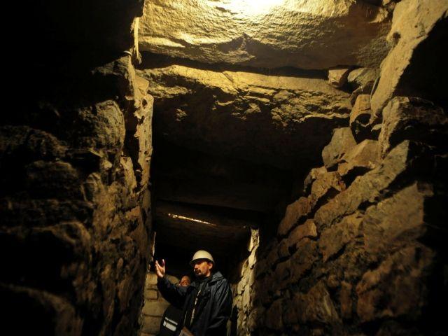 Un canal de drenaje subterráneo, la superposición de estructuras y fragmentos de esculturas de piedra se encontraron en el complejo arqueológico de Chavín. | Fuente: AFP | AFP