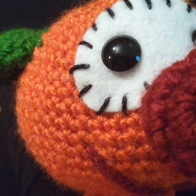 Mic a ganxet Cucú.... Ya falta poquito para entregar este Mic a su dueña... #crocheteandoconangie  #handmade  #crocheting #crocheter #crocheted #artoftheday #hechoamano #crocheteveryday #crochetadict  #ganchillo #ganchillocreativo #craft #crafty #coser #hazlotumismo #doityourself #tejer #tejido #diy #yarn#crochetlife #craftersforinstagram #crafter #art #igers  #woolandthegang #shareyourknits #crochetlove #boho #knit