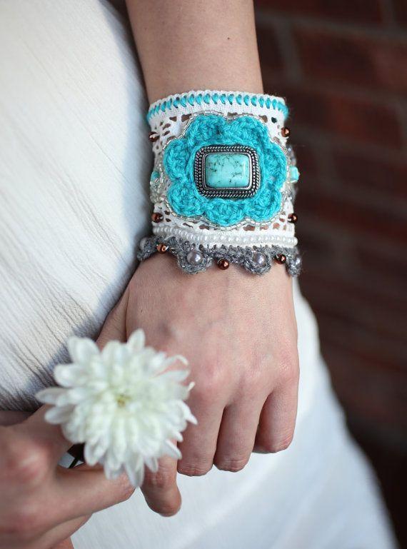 Womens Bracelet Boho Style Pearl cuff Luxury lace bracelet