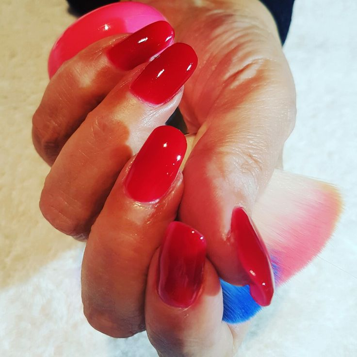 Painting the town Red with beautiful A RED ACRYLIC NAILS