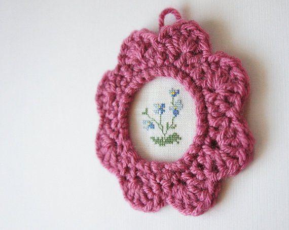 Crochet Picture Frame Pattern by JaKiGu (5)