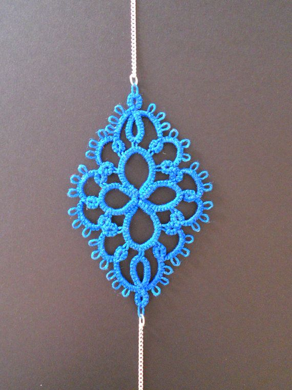 The needle tatting pattern is a bracelet tutorial. The size of the bracelet depends on the size of the thread you will use. This item contains only the pattern of the bracelet, not the actual tatted product.  The bracelet pattern is in pdf format. The pdf sheet contains a picture of the completed pendant, suggested materials, and written instruction (in English).  This bracelet pattern is an instant digital download. It will be available to download directly from Etsy, once you have…