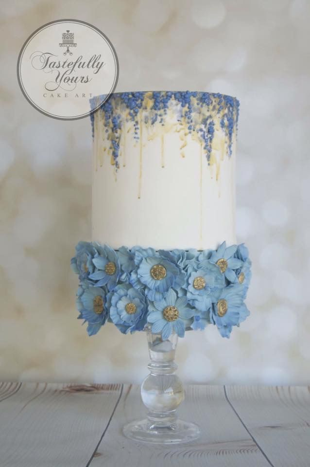 Ich liebe die Spitze … würde die unteren Blumenreihen viel kleiner und anders machen …   – naked torte