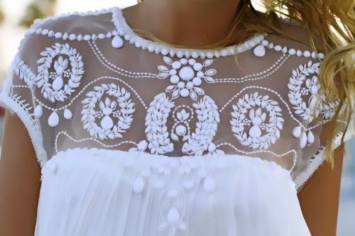 Beads embellished pleated dolly dress in white. So pretty!! O_O