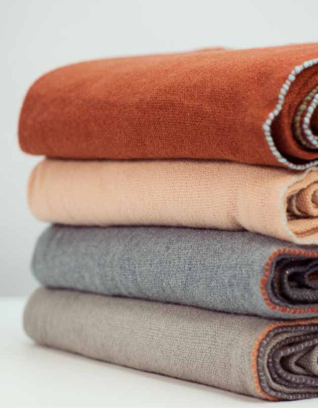 100 % cashmere plaids from teixidors -