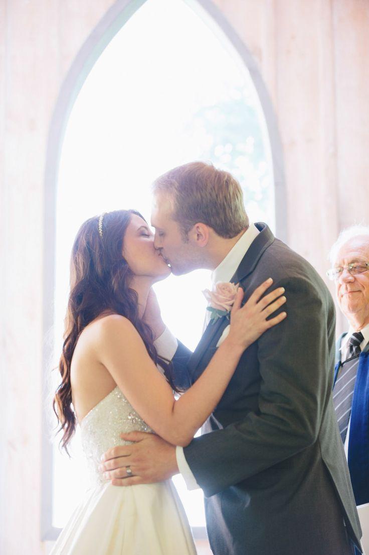 Wedding Photographers - Toronto Wedding Studios, 588 Eastern Ave, Toronto, ON, Canada, TEL(416)993-8995 | Adrionna and Andrew | Wedding | Oakview Terrace | http://www.torontoweddingstudios.com