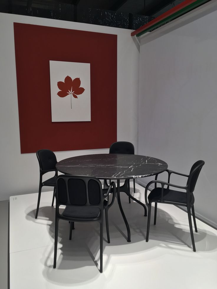 Mila chairs and table designed by Jaime
