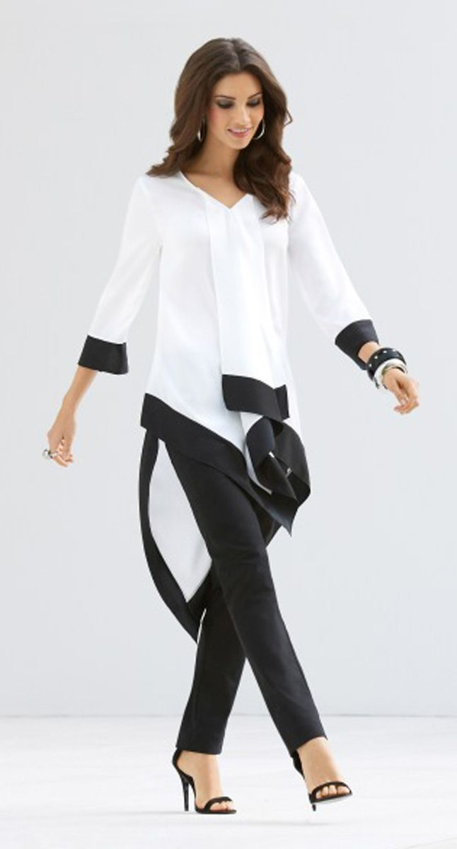 Minimalist Chic: Sublime in its simplicity, a cascading tunic is all about effortless glamour. *Style tip: Maximize the proportions with skinny pants. #DestinationFabulous #spring #BlackLabel #chicos