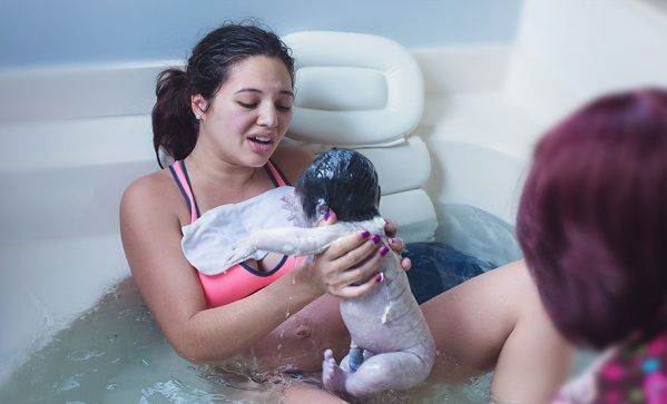 Amazing Photos Of Lady Giving Birth Naturally In Water At Home - Likes