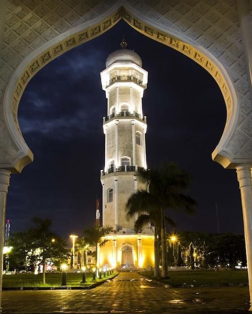VIEW > Minaret of Masjid Raya Baiturrahman Banda Aceh at night (Photo by risdiirawan)