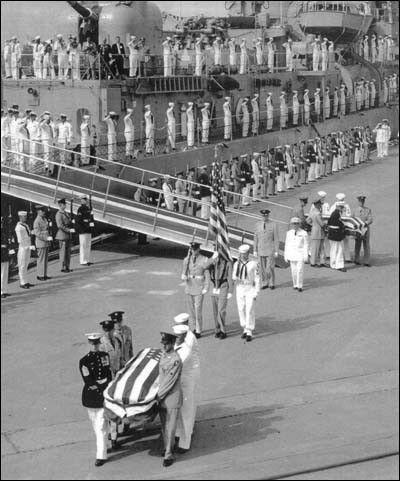 ▲ 1958. 5. 28. 무명 용사의 시신을 본국으로 보내는 미군.