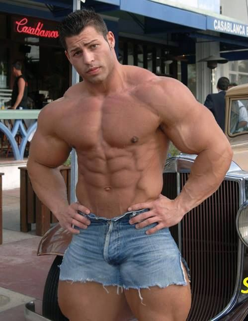 muscle men naked videos