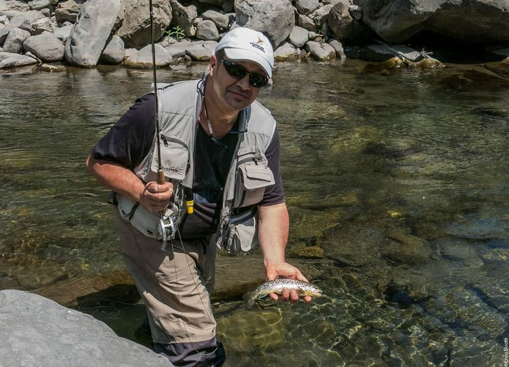 Torrente LEO, con Mirco Zambelli, per una giornata di pesca a mosca in un ambiente fantastico. Acqua fredda, ma le catture ci sono state.