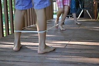 Chinese Jumprope: Remember This, Schools, Childhood Memories, Rubber Bands, Chinese Jump Rope, Chine Jumping Ropes, Chinese Jumping Ropes, Plays, Kids