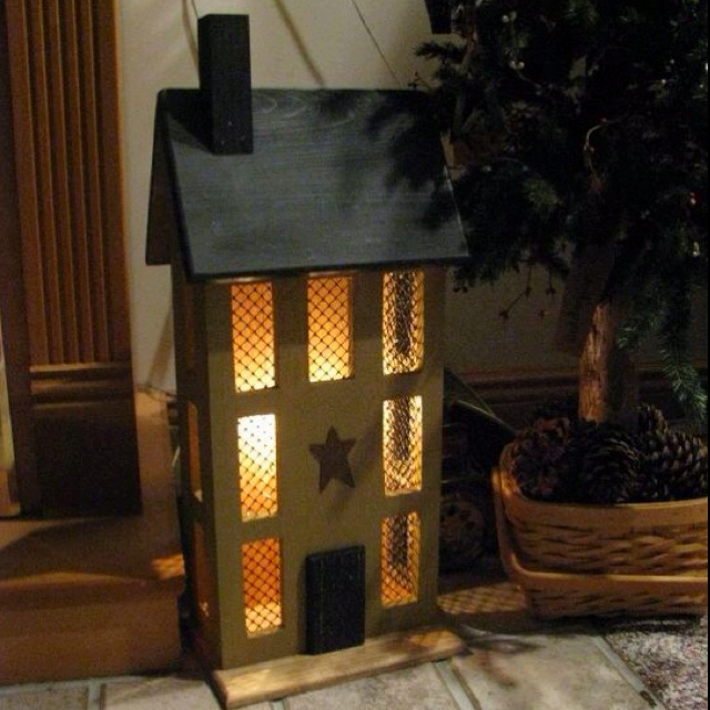 saltbox house with light primitive decor pinterest