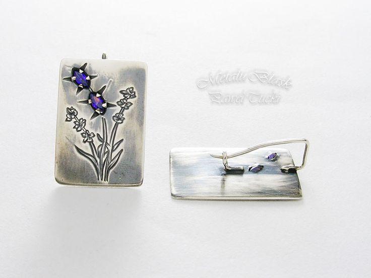 polandhandmade.pl #polandhandmade #jewellery #Paweł_Tucki Kolczyki srebrne pr.925. Ręcznie grawerowane, ozdobione cyrkoniami w kolorze lawendy. Oksydowane i delikatnie polerowane.   Kolczyki mają wymiary 30 mm x 20 mm.