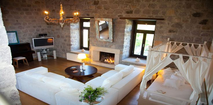 Patmos Villa Vista - modern comforts in old style romantic home