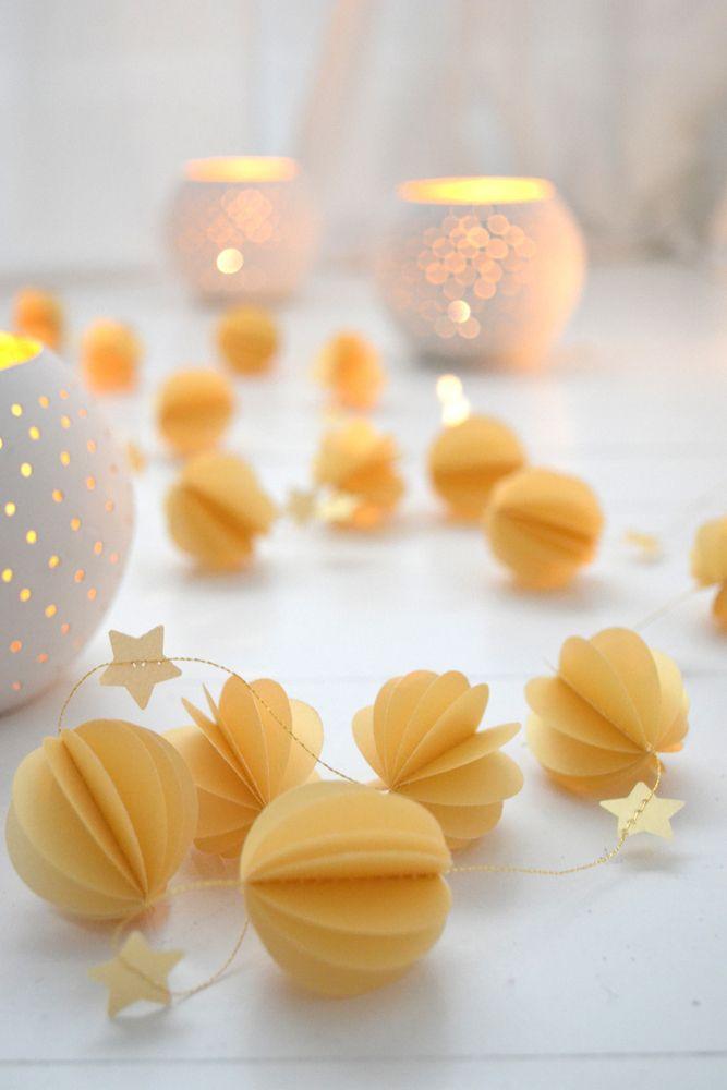 Image of Guirlande sphères dorées