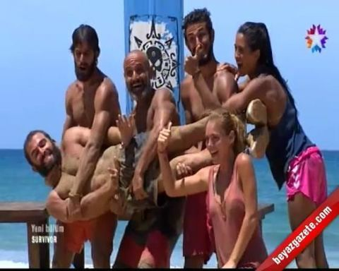 Survivor Gönüllüler Takımı'nın Balık Tutma Temalı Kutlama Sevinci Herkesi Güldürdü