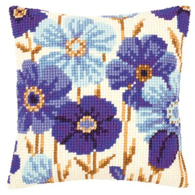 2. Набор для вышивания подушки Vervaco  PN-0145051 Синие цветы раскрылись