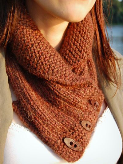 shawl collar cowl. Looks so warm!  #crochet
