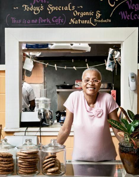 Alluette's Café - great womanCharleston Life, Charleston Eating, Head Charleston Sc, Hilton Head Charleston, Charleston Foodies, Café Celebrities, Café 80, Alluette Café