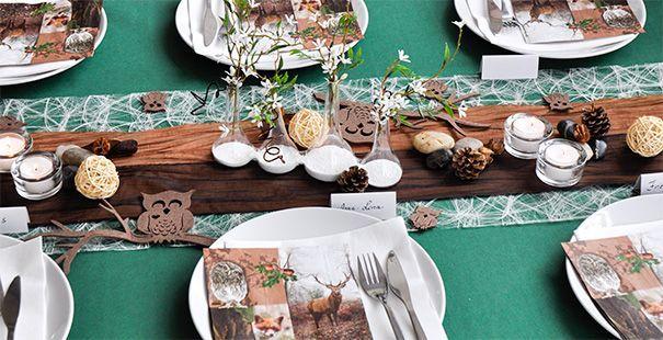 Tischdekoration für den Herbst Grün. Creme. Braun.