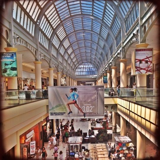 17 best images about shopping malls of new york on pinterest brooklyn shopping mall and lakes for Roosevelt field garden city ny