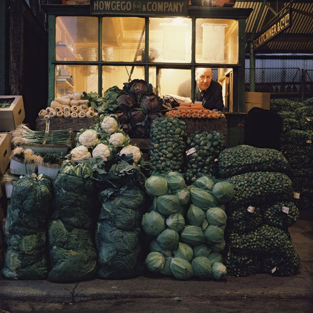 The photographer Clive Boursnell took photos of the fruit, vegetable and flower markets found at Old Covent Garden