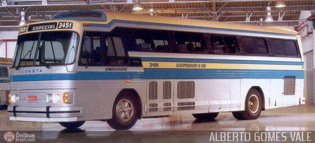 Ônibus da empresa Viação Cometa, carro 3451, carroceria Ciferal Dinossauro, chassi Scania BR116. Foto na cidade de São Paulo-SP por ALBERTO GOMES VALE, publicada em 22/06/2011 19:12:58.