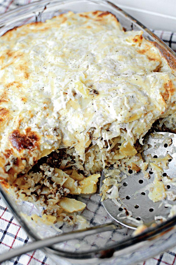 Zapiekanka ziemniaczana z kiszoną kapustą i mięsem mielonym